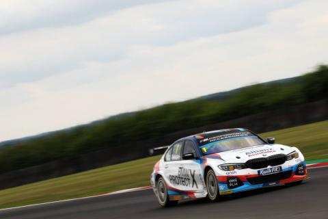 Turkington strengthens BTCC lead with race two win