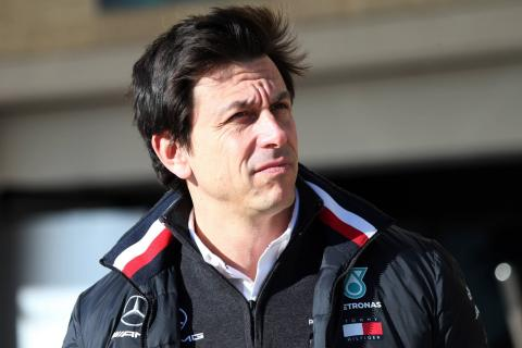 "Wolff rubbishes ""nonsense story"" about Mercedes F1 exit"