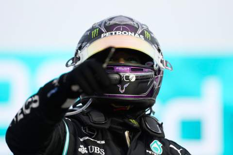 Would Lewis Hamilton really quit F1 while on the verge of history?