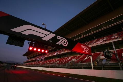 "F1 targets 15-18 races starting ""at some point this summer"""