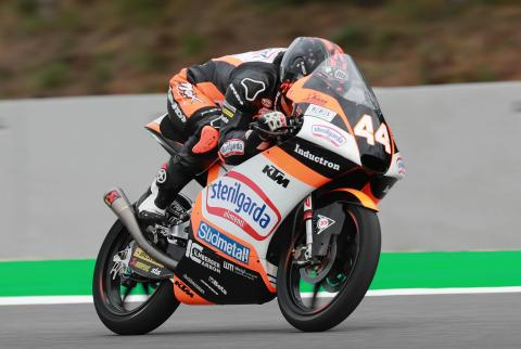 Moto3 Brno: Last lap heroics see Canet power to victory