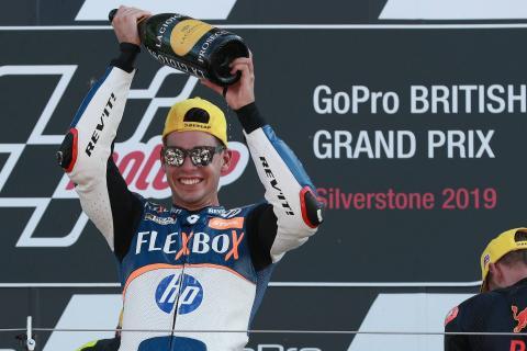 Moto2 Silverstone: Fernandez on fire for win, Marquez falls