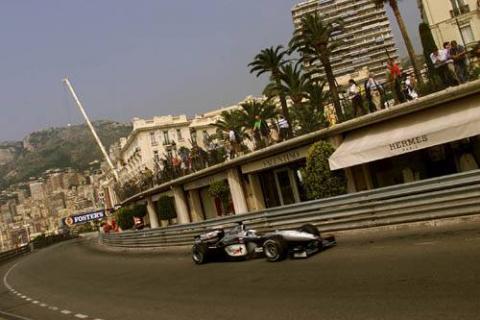 Hakkinen leads in Monaco free practice.