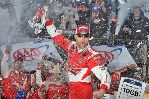 Harvick dominates to stay in Chase as Johnson eliminated