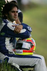 Williams-BMW`s Antonio Pizzonia ponders after spinning out of the Japanese GP
