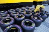 F1: 27.04.2017 - Pirelli Tyres and OZ Wheels