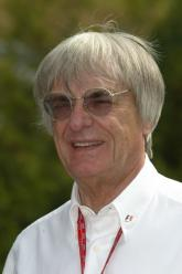 Decision delayed in F1 power struggle.