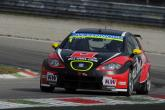 WTCC Hungary 2013: Huff clinches first SEAT victory