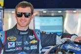Kahne extends contract with Hendrick