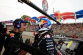 Whincup takes emphatic double pole at Clipsal 500