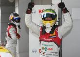 Rockenfeller ends losing streak with Moscow win