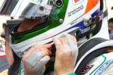 De Silvestro tries her hands in practice