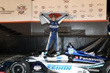 Takuma Sato redeems himself with thrilling Gateway win over Carpenter