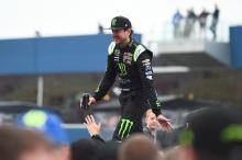 Lightning doesn't strike good for Kurt Busch at Daytona