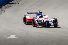 Rosenqvist storms to stunning Rome E-Prix pole