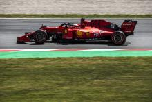 "Vettel hopes ""daring"" Ferrari set-up will pay off in race"