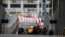 Ticktum snatches late Macau GP pole from Ilott