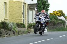 TT 2018: Dan Kneen killed in practice