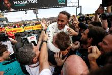 Hamilton: Vettel's 'human-error' a result of pushing for F1 title
