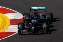 """Hamilton needs to take 'a few steps back' after """"pretty terrible"""" F1 practice"""