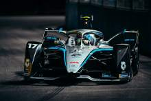 de Vries takes maiden Formula E win in Saudia Arabia opener