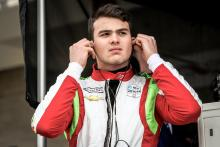 Patricio O'Ward hangs on for eighth in debut race for Carlin Racing