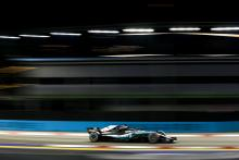 Hamilton takes controlled Singapore win, pulls 40 points clear