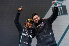 "Mercedes has ""no doubt"" about Hamilton's F1 commitment"