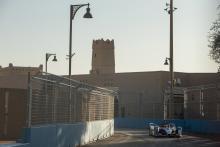 Sims on pole, Mercedes 2-3 for Diriyah Formula E opener