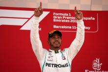 Hamilton dominates Spanish GP as tyre struggles cost Ferrari