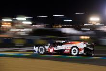 Lopez leads Le Mans at halfway, Alonso closing