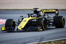 Ricciardo suspects more powerful DRS caused rear wing failure