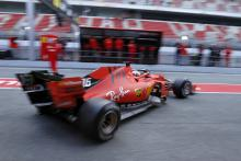 Ferrari making a 'statement' with F1 test pace - Ricciardo