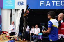 Frijns wins Formula E finale, Vergne seals second title