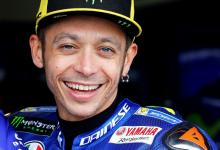 Valentino Rossi re-signs for Yamaha
