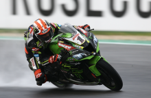 Rea grabs WorldSBK lead with Donington win as Bautista crashes again