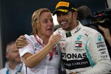 Hamilton hits back at Mercedes F1 contract speculation