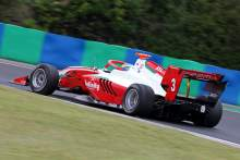 Sergeant claims maiden F3 pole at Silverstone