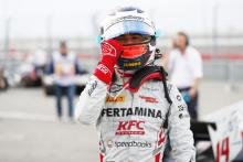 De Vries beats Norris to F2 pole in Russia