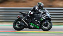 Lowes finds braking adaptation gains with Kawasaki