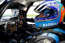 Alonso leads Rolex 24 at four-hour mark