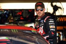 Daniel Suarez beats SHR teammate Aric Almirola for Kentucky pole
