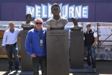 Stoner, Doohan, Gardner unveil statues