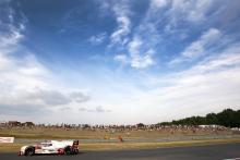 Le Mans 24 Hours: 21H - Lotterer charging but Porsche still safe