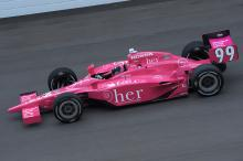 HER has Lloyd back in pink, raising cancer awareness