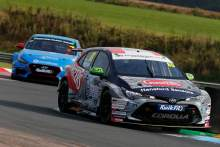 Ingram fends off Cammish again to take double victory