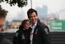 Wolff laughs off Ecclestone's Hamilton criticism