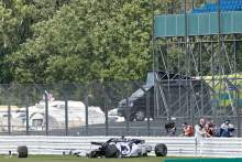 Silverstone makes F1 barrier changes after Kvyat crash