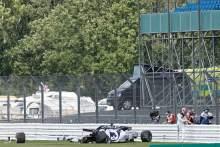 Silverstone makes F1 barrier changes after Kvyat crash