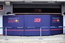 F1 extends shutdown to 35 days